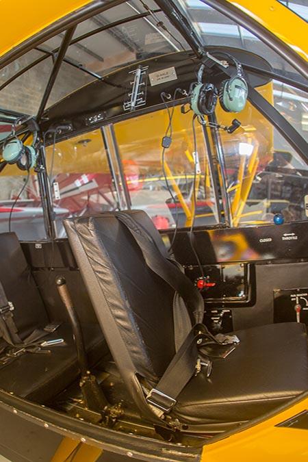 piper-cub-cockpit